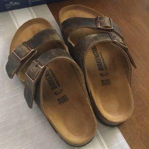 Size 39 regular Birkenstock oiled leather Arizona